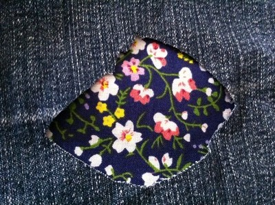 Vintage-Patch Jeans Navy Floral Reverse Patch Repair small